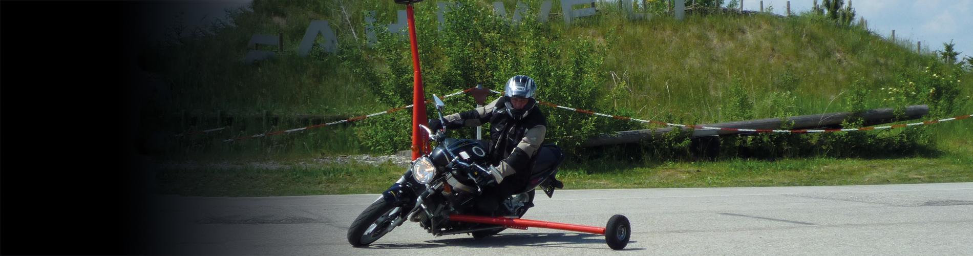 Motorrad Schräglagentraining Kurventraining
